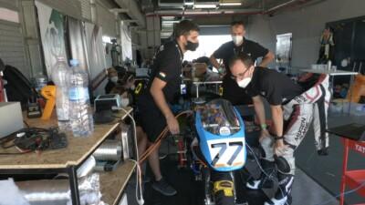 Kenji Racing Team a boxban
